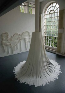 туалетная бумага, инсталляция